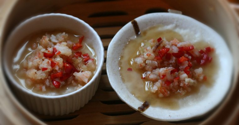 Steamed Rice Cakes with Prawns and Chillies